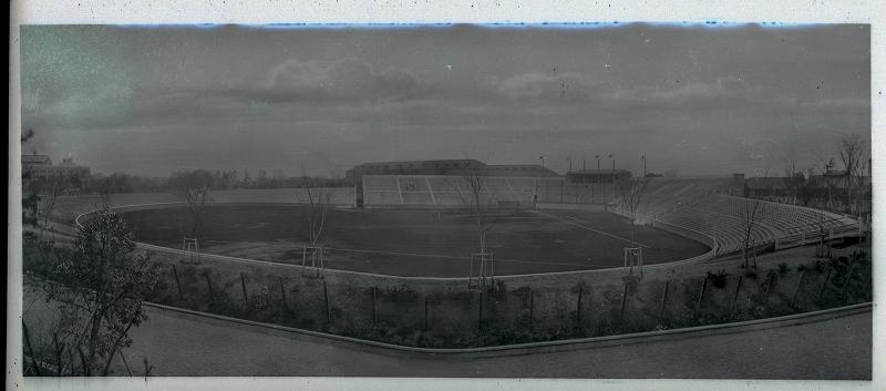 1926年 創建当時の神宮球場全景 10月22日 神宮球場竣功 建設工事は大倉土木株式会社が行い